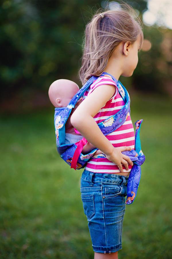 Ergo style carrier for dolls